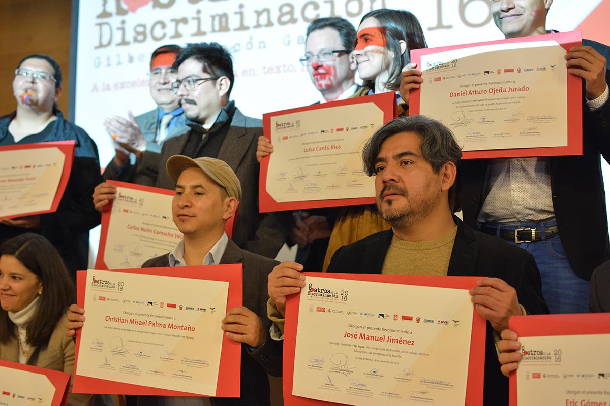 Otorgan a equipo de #Enelcamino premio Rostros de la Discriminación
